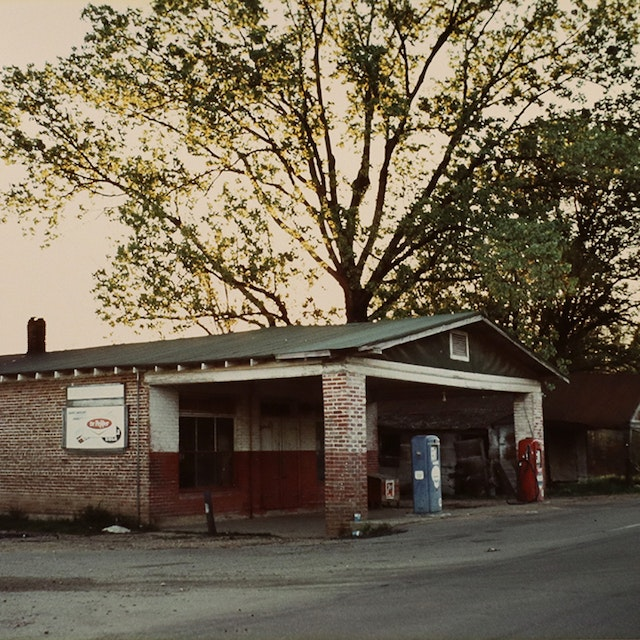 For Lucia, Series (service station)